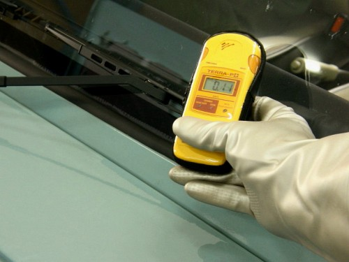ワイパー周辺の放射線量を測定