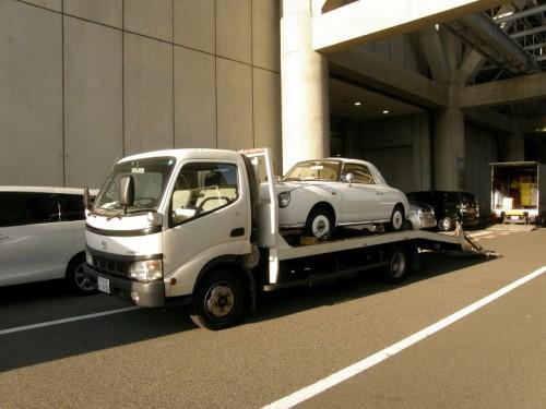 東京ビッグサイトにEV-FIGAROが到着