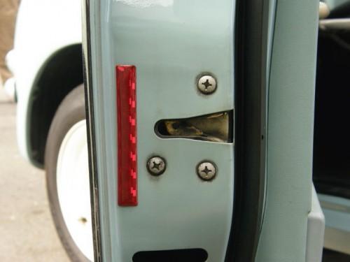 ドア部の反射板