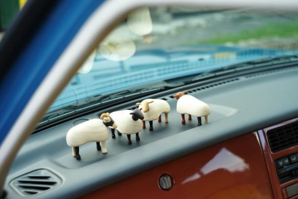 ラシーンに羊が放牧された。
