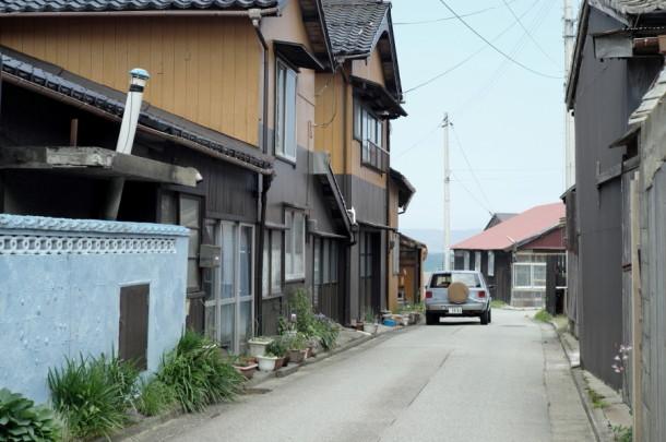 佐渡島にラシーンが走る