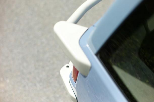 背面タイヤ ホワイトラッカーフィニッシュ