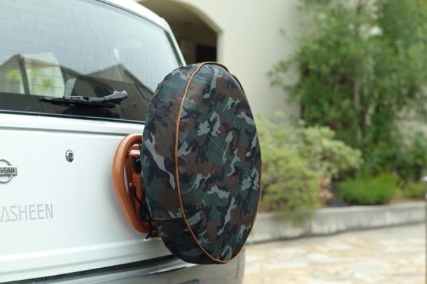 カモフラージュ柄タイヤカバー
