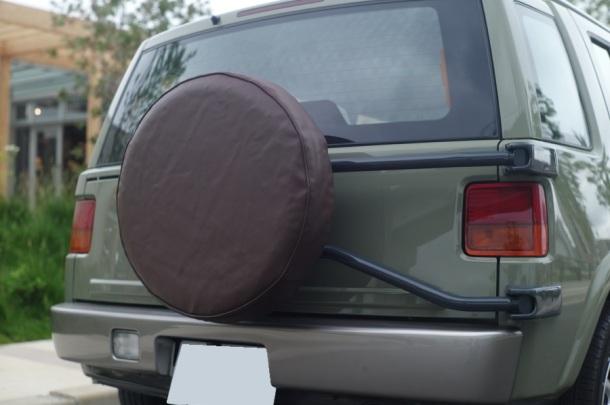 タイヤカバーの張替え